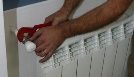 Debranșările de la RADET, interzise prin lege! Persoanele cu centrale termice vor plăti taxă de poluare, ca la mașini