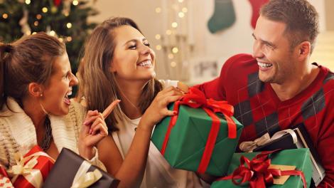 Ce cadou i se potrivește fiecărei zodii. Află care sunt cele mai potrivite cadouri de Moș Crăciun