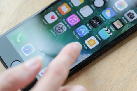 Metoda prin care utilizatorii de iPhone sunt jefuiți foarte ușor! Aceste două aplicații reprezintă un real pericol