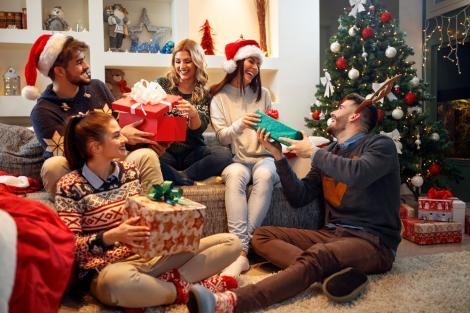 Ai prieteni mulți și un buget limitat? 5 idei de cadouri inspirate și, mai ales, utile pentru orice ocazie