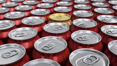Ce se întâmplă cu organismul tău dacă bei 30 de cutii de cola pe zi