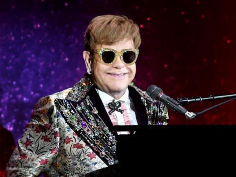 Toată lumea a rămas mască! Elton John a fost lovit de un fan în timpul unui concert în Las Vegas. VIDEO
