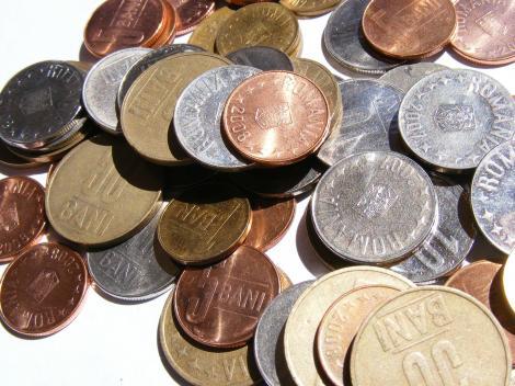 Legea creditului la bancă afectează datornicii. Cămătarii câştigă