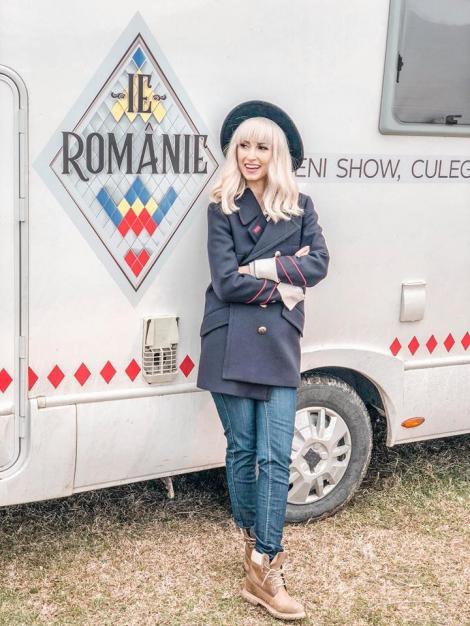 """PREMIERA """"IE, ROMÂNIE"""". Andreea Bălan, alături de trei româncuțe de ispravă. Ilenele Cosânzene care vor fura inimile flăcăilor"""
