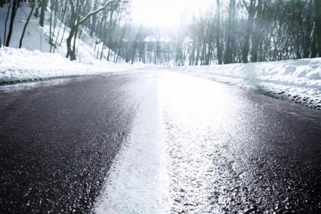 Cum eviți accidentele pe timp de iarnă. Ai pus frână incorect până acum