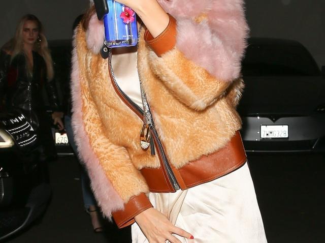 Galerie foto. Selena Gomez, prima apariţie după ieşirea din spital: depresia şi anxietatea nu îi dau pace. Schimbare uimitoare a cântăreţei!