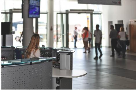 Cinci sfaturi dacă nu-ți dorești peripeții în aeroport