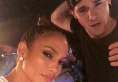 """Jennifer Lopez şi Skrillex se pregătesc să ia toate topurile cu asalt. """"US"""", piesa pe care o vei pune pe repeat!"""