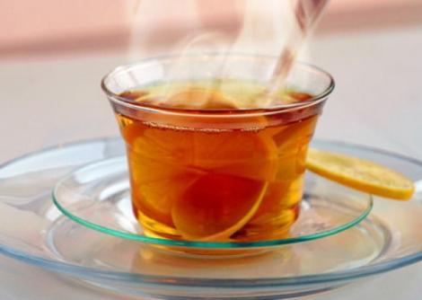 Descoperirea care îngrijorează medicii! Consumul de băuturi fierbinţi, alcool şi tutun creşte de CINCI ori riscul de cancer