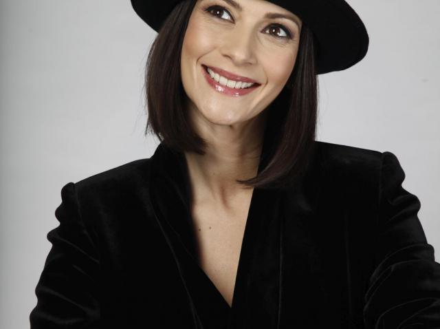 """Sâmbãtã, la Refresh by Oana Turcu"""" de la Antena Stars: Andreea Berecleanu vorbeşte despre ideea unei operații estetice. """"Cred că dacă l-aș ruga pe soțul meu, m-ar refuza"""""""