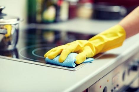 Paște 2018. Curățenia de Paște, cât te-ar costa o menajeră sau o firmă specializată
