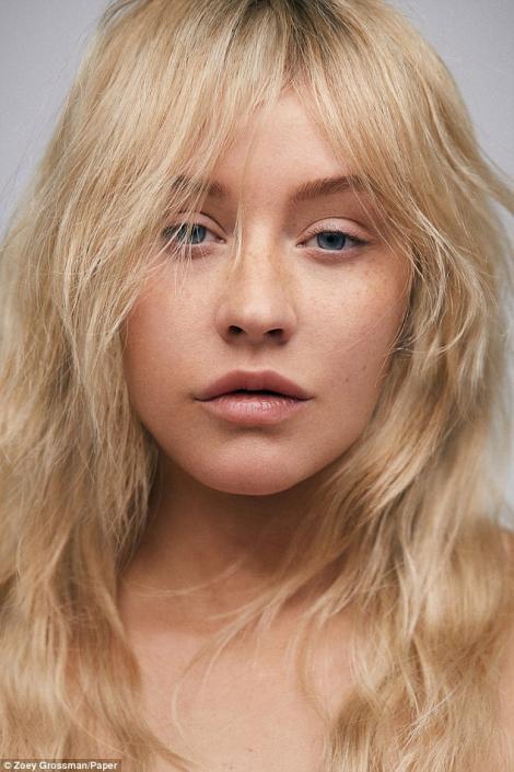 """Christina Aguilera, așa cum nu ai mai văzut-o: fără pic de machiaj și cu părul natural. ,,Este eliberator faptul că pot să renunț la multe și să apreciez persoana care sunt"""""""