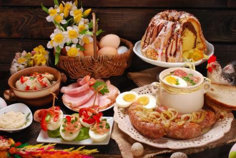 PAȘTE 2018. Cum să combinăm alimentele la masa de Paște? Mănâncă strategic și inteligent și chiar vei slăbi de sărbători!