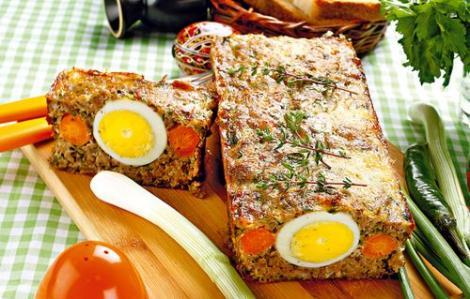 Gospodinele prepară mâncarea de Paşte după reţete din străbuni. Preparatele tradiţionale, deliciul turiştilor străini. Cighir, ciorbă rădăuţeană şi păstrăv în sos de smântână
