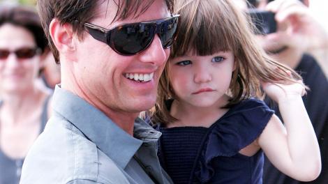 Suri Cruise, mai tristă ca niciodată... Ce se întâmplă cu fetița lui Tom Cruise?