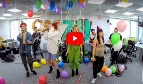 Cadou pentru doamne şi domnişoare! Raluka, Ana Baniciu, Irina Rimes şi Nika au făcut schimb de HIT-uri şi au cântat LIVE  cele mai tari variante