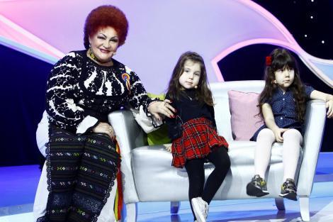 """Interpreta de muzică populară Elena Merișoreanu a sărit cu parașuta:  """"Am vrut să încerc adrenalina la maximum"""""""