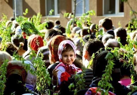 Creştinii celebrează Floriile. Peste 1,3 milioane de români îşi serbează onomastica: Ce nu este bine să faci astăzi, în zi sfântă