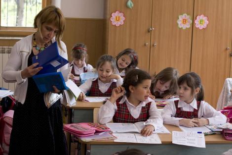 """Toți elevii din Republica Moldova ar putea purta uniformă școlară! Ministerul Educației: """"Vor fi eliminate diferențele sociale!"""""""