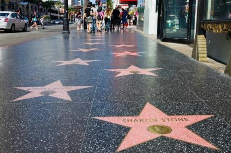 """,,Când eram un copil sărac, creşteam în ghetouri"""". A trăit pe străzi, iar acum a primit o stea pe Walk of Fame"""