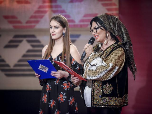 """Diseară, de la ora 20.00, la """"Ie, Românie""""! Ozana Barabancea scrie și recită poezii patriotice"""