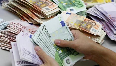 """A zis EURO! Primarul Timișoarei stârnește revoltă pe internet: """"Merit un salariu de 5.000 de euro lunar, la cât muncesc. Acum am doar 2.000"""""""