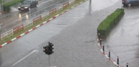 Nu mai avem primăvară! Meteorologii anunță fenomene meteo periculoase în mai multe zone din țară