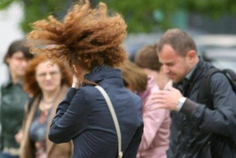 Avertizare ANM: Urmează fenomene meteo periculoase! Este COD GALBEN de vânt. Care sunt zonele afectate