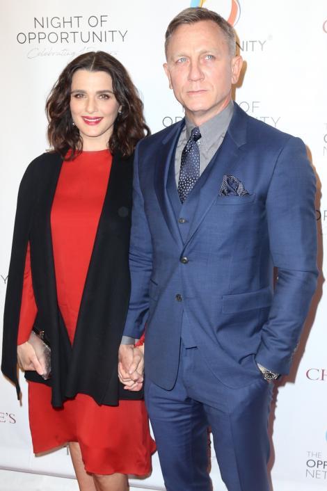 """Rachel Weisz și Daniel Craig vor deveni părinți: """"Suntem încântați să avem un omuleț pe drum!"""""""