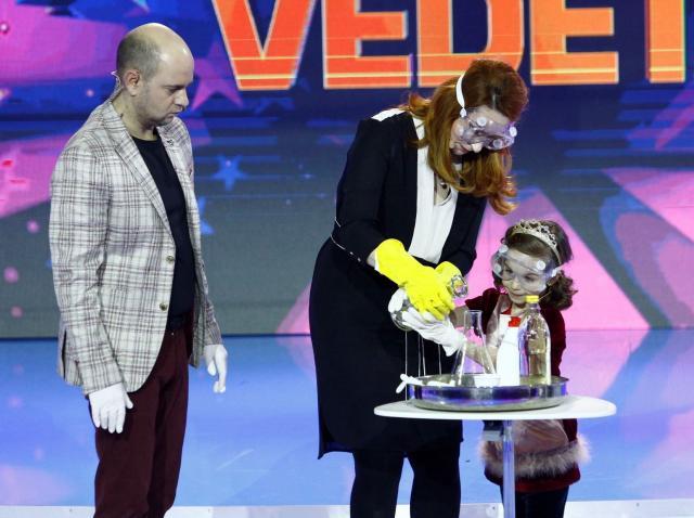 """Cristina Pocora face un experiment incredibil în ultima ediție a emisiunii """"Aici eu sunt vedeta""""!"""