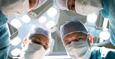 Al doilea transplant cardiac din acest an din România! Un bărbat de 39 de ani a primit o inimă nouă, de la un tânăr de 17 ani