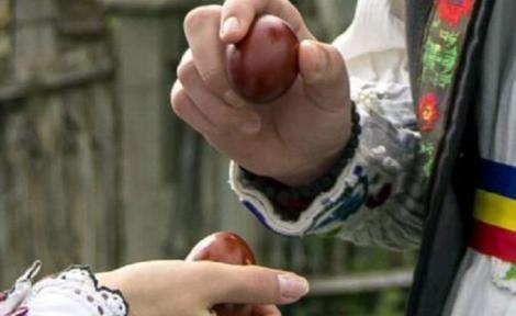 De ce ciocnesc românii ouă de Paște! Adevărul despre acest obicei ce datează de mii de ani