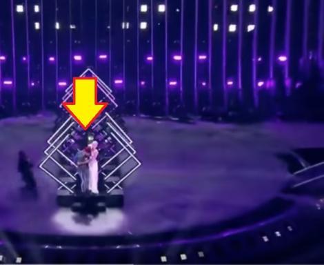(VIDEO) SCENE ȘOCANTE la Eurovision! Ea este CÂȘTIGĂTOAREA concursului, dar publicul A ÎNCREMENIT când a văzut cine a URCAT PE SCENĂ