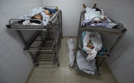 Imaginile masacrului în lume. Bebeluş mort după ce a inhalat gaz lacrimogen în timpul violenţelor din Gaza