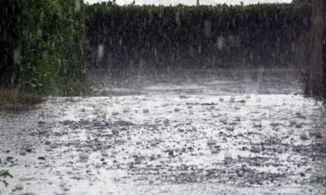 E jale! A fost emis COD PORTOCALIU de vreme rea: Va ploua fără oprire, iar fenomenele devin periculoase