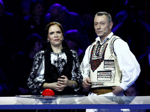 """Joi, 3 mai, de la ora 22.15, la Antena 1: Doi soți de la poalele Făgărașului vor să înceapă o afacere cu afini, cu banii de la """"Guess My Age – Ghicește vârsta"""""""
