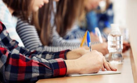 Evaluare Națională 2018. Elevii claselor a VI-a susțin miercuri Evaluarea Națională