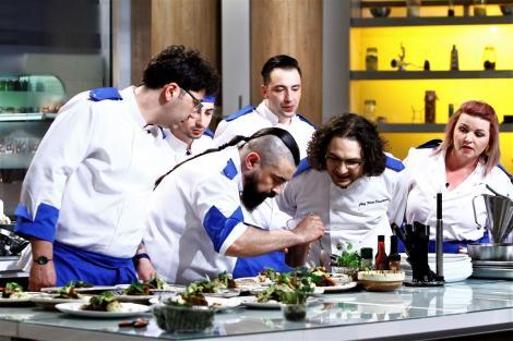 """Eliminare neașteptată în primul battle """"Chefi la cuțite"""". Emisiunea a fost lider de piață pe toate categoriile de public"""