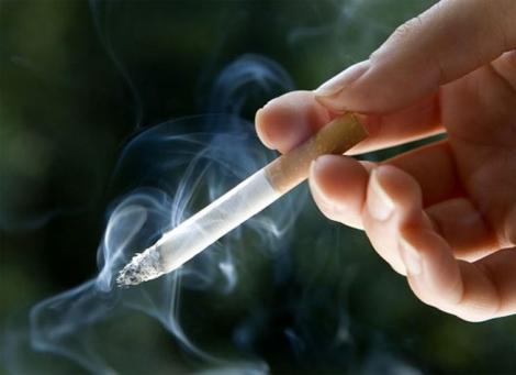 Un bărbat a fumat timp de 20 de ani! Ce au descoperit medicii în corpul lui