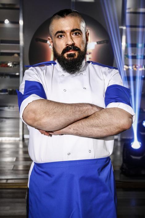 Cine este Victor, bucătarul motociclist din echipa lui Dumitrescu! A gătit chiar și pentru regele Spaniei!