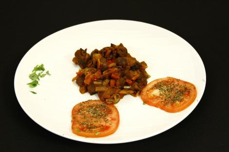 Pipote și inimi de pui cu legume