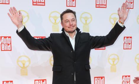 Elon Musk surprinde din nou. Acumpărat acțiuni în valoare de 10 milioane$ de la propria companie.