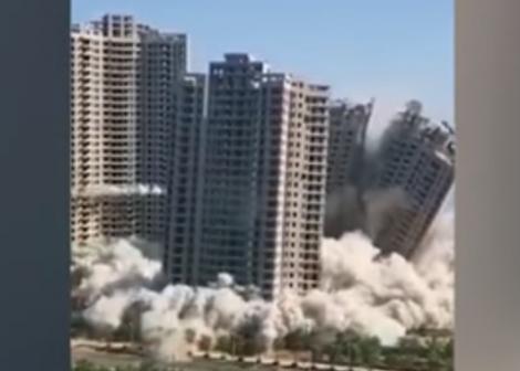 Uite clădirile, nu sunt clădirile! Un complex rezidențial a fost demolat în doar 15 secunde! VIDEO
