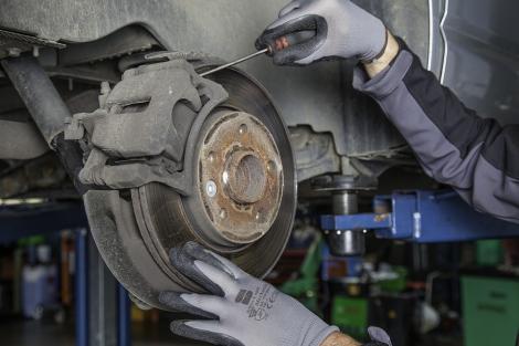 Cum să alegem amortizoare de calitate pentru mașina noastră
