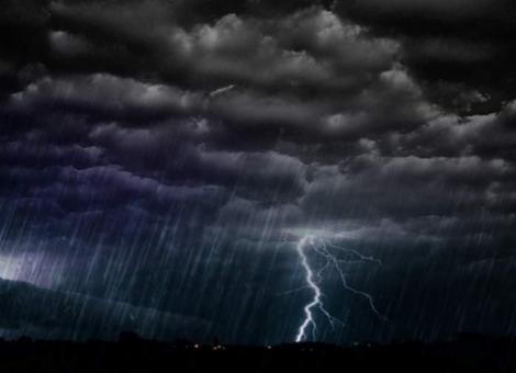 Vremea 13 iunie. Prognoza meteo anunță furtuni violente, vijelii și grindină
