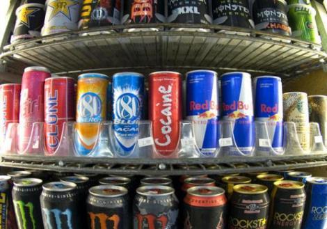 Ministerul Sănătăţii propune interzicerea comercializării băuturilor energizante persoanelor sub 18 ani. Amenzile, usturătoare!
