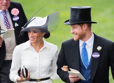 Reacția Prințului Harry atunci când un jocheu s-a apropiat prea mult de Meghan