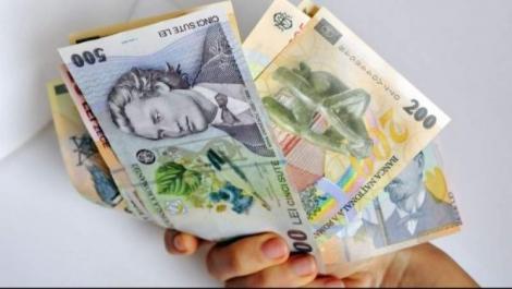 """Se dau bani de la stat! Guvernul a adoptat programul """"Investeşte în tine"""", care va oferi tinerilor acces la împrumuturi fără dobândă"""