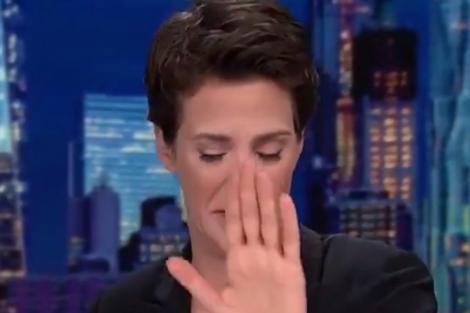 """Video VIRAL! O prezentatoare a izbucnit în lacrimi în timp ce citea ştirile. """"Îmi pare rău..."""". Motivul pentru care femeia nu a mai putut continua"""