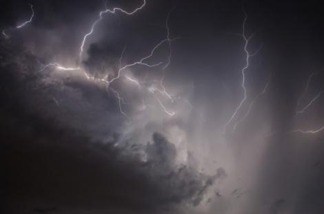 VREMEA până în septembrie 2018: Secetă, caniculă, furtuni. Vezi cum arată prognoza meteo când pleci în concediu